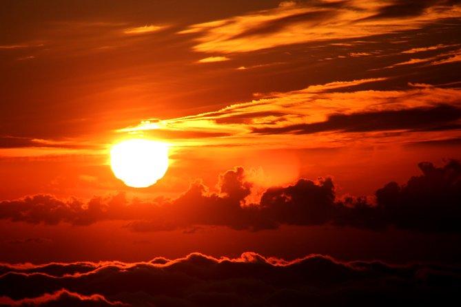 Puesta del sol desde 2000 metros