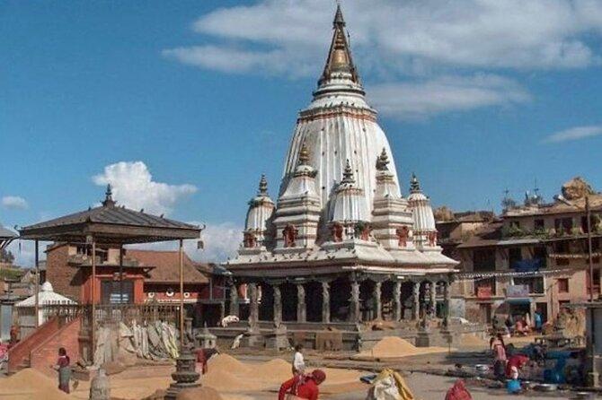 Explore entire Kathmandu city by private car