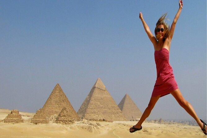 Great Pyramids Tour (Giza Pyramids, Sakkara Pyramid and Dahshur Pyramids)