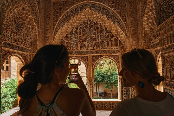 Skip The Line Alhambra and Nasrid Palaces Guided Tour