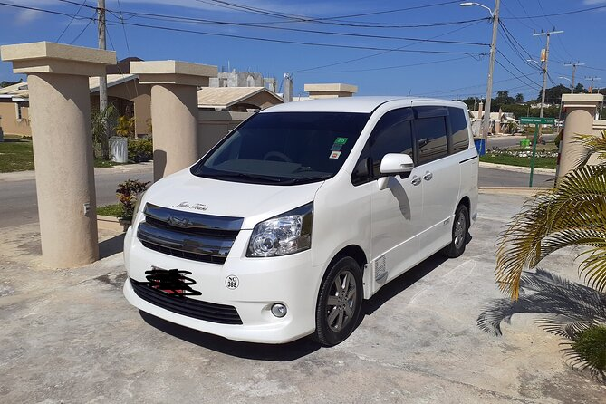 Montego Bay Airport Taxi to Hilton Rose Hall Resort