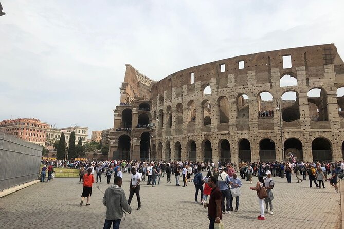 CCC SkipTheLine SmallGroup Tour: Colosseum and Roman Forum