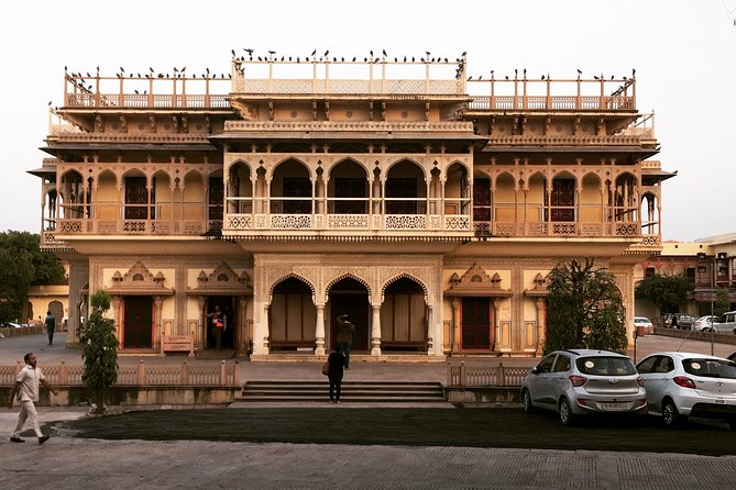 Full-Day Sightseeing Tour in Jaipur by Car from Delhi or Agra