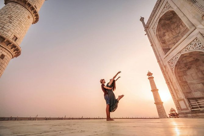 Full-Day Private Ethnic Wear Photoshoot Tour in Agra