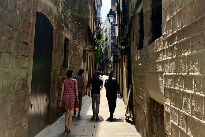 Private Tour - Explore hidden streets with a friend