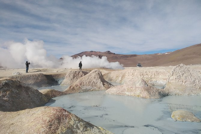 4 Days Uyuni Salt Flats with English Guide by Bus from La Paz
