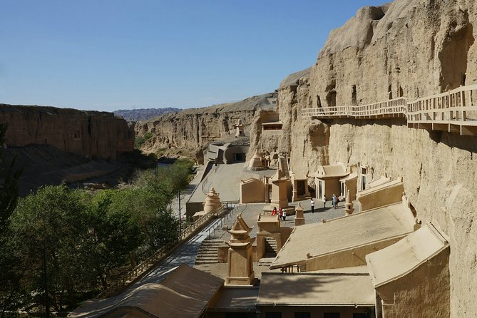 Dunhuang Private Day Tour to Yulin Grottoes and Suoyang City Ruins