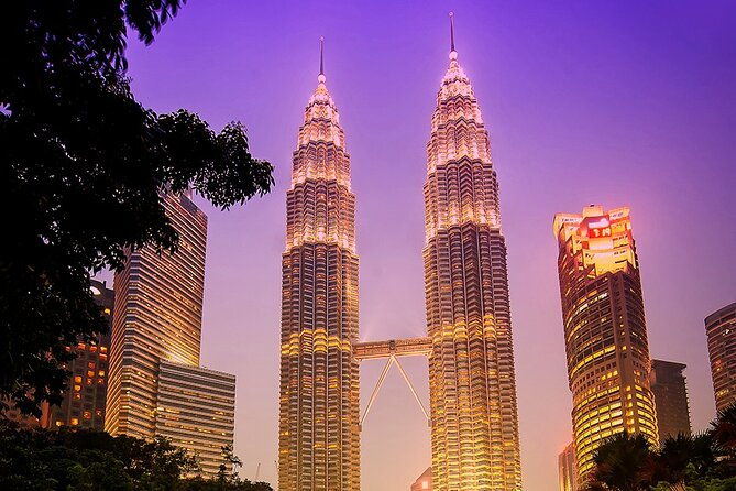 Petronas Twin Towers Sky Bridge & Suria KLCC Discovery Tour