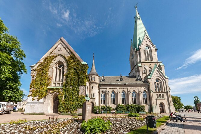 Hoellen, Soegne and Vest Agder Open Air Museum join-in tour from Kristiansand