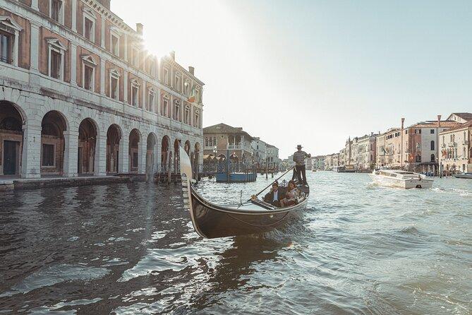 Private Guided Tour :Gondola Ride St. Mark Square/Rialto Market