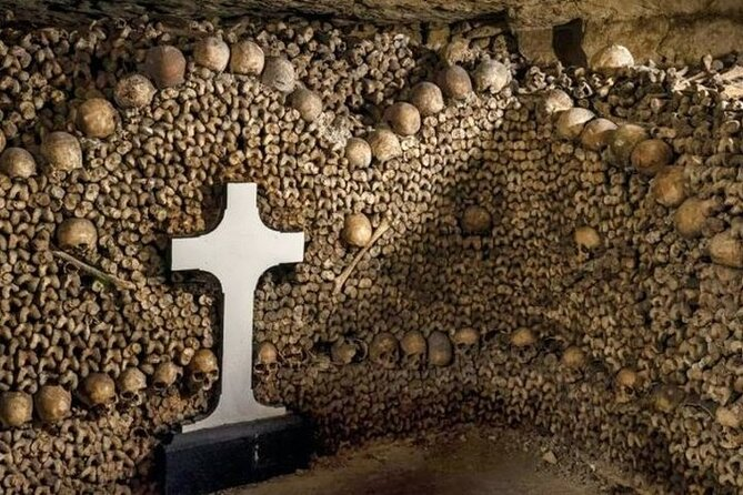 Catacombs Exclusive : Group Guided Tour with Direct Access photo 2