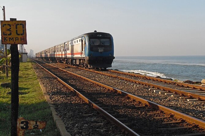 Train Tickets from Colombo to Galle / Mirissa (Seat Reservation)