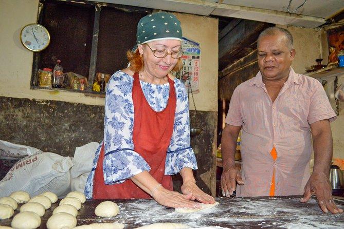 Sri Lankan Traditional Bakery Experience from Panadura