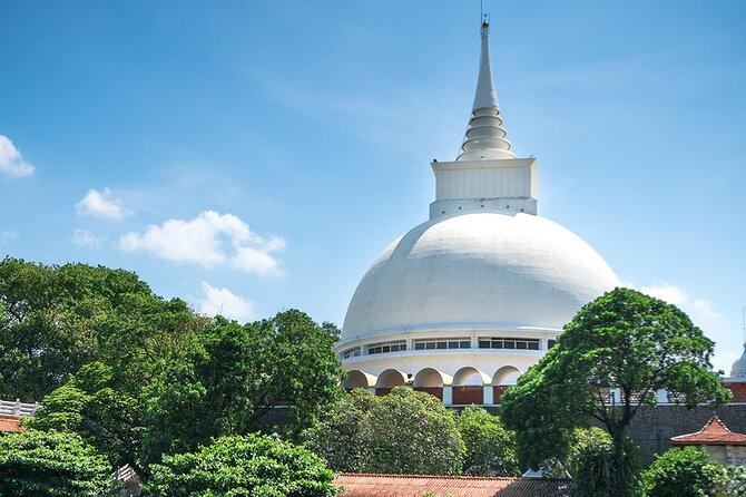 Kalutara Temple, Lunuganga Tour From Bentota