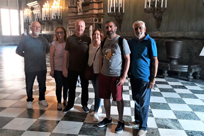 Skip the line: Turin Royal Palace, Armoury and Shroud Chapel Small Group Tour