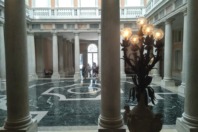 Private tour Palazzo Grassi, Pinault Collection.
