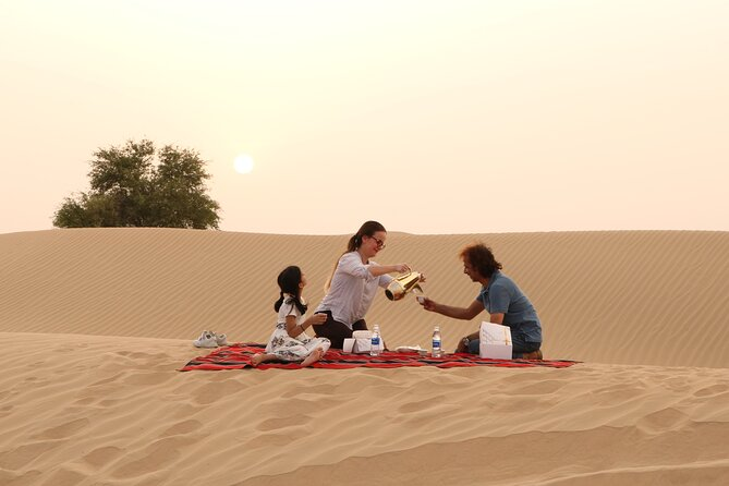 Private 4x4 Morning Desert Drive with Wildlife Experience & Sandboarding