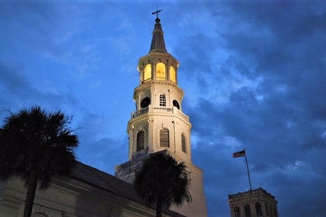 Ghosts of Charleston Night-Time Walking Tour with Unitarian Church Graveyard