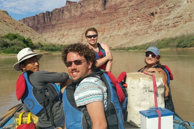 Colorado River Rafting: Half-Day Morning at Fisher Towers