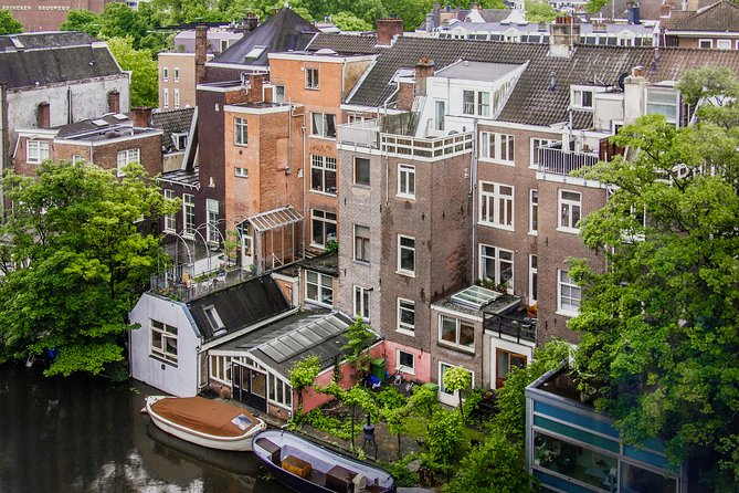 Private tour of Photography at best locations in Amsterdam with a local