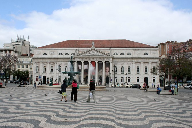 Lisbon: Stroll from the posh Príncipe Real to Downtown Lisbon on an audio tour