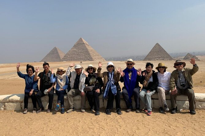 Full-Day Private Tour to Pyramids of Giza and Egyptian Museum