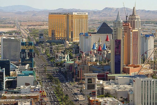 Private 3-Hour Walking Tour of the Las Vegas Strip with Licensed Tour Guide