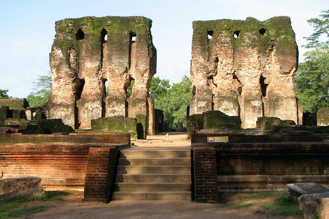 Day Tour at Polonnaruwa Ancient City with Sri Lankan Authentic Cooking Class