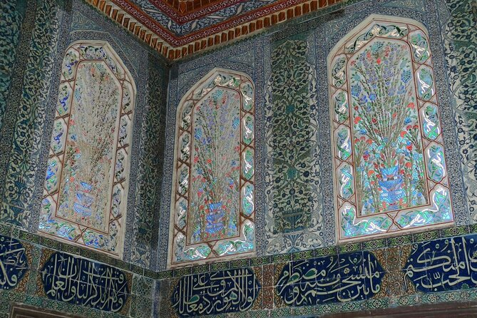 The Topkapi Palace, Historical town guided tour / Solo / Groups