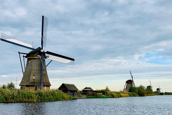Unesco windmills of Kinderdijk & Delft | Coronaproof Public Tour from Amsterdam