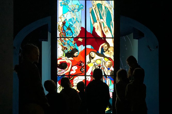 Skip the Line: Stained Glass Workshop and Museum Ticket and Tour