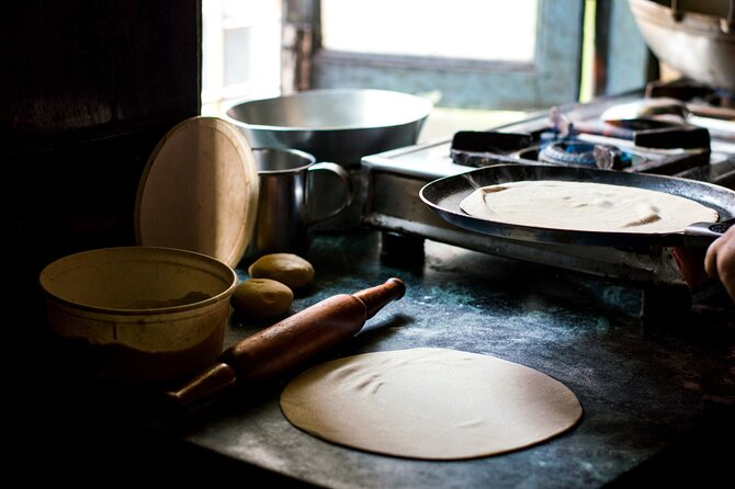 Indian Cooking Classes with Local Chef in Varanasi