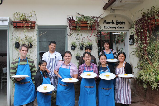Traditional cooking class shared service at Marcelo Batata.