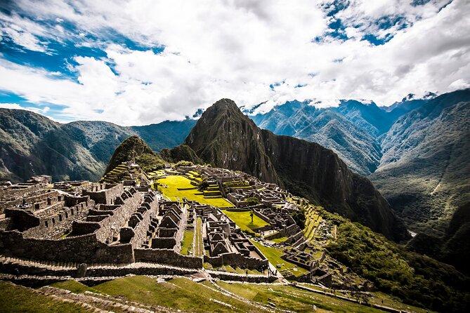 The Wonders of Peru: Machu Picchu, Rainbow Mountain and Lake Titicaca