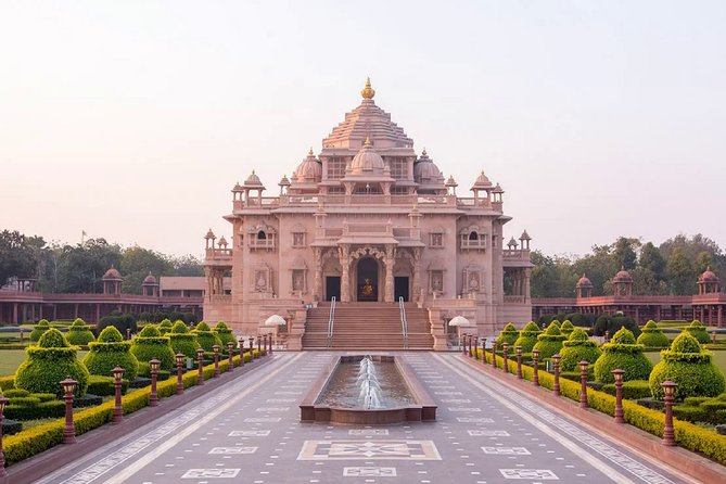 Day Trip to Gandhinagar (Guided Full Day Sightseeing Tour from Ahmedabad)