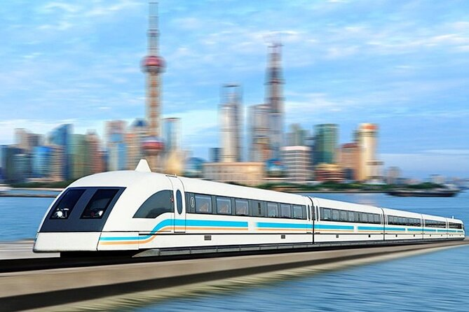 4-Hour Private Shanghai Leisure Tour with Maglev Train Ride and Night Cruise
