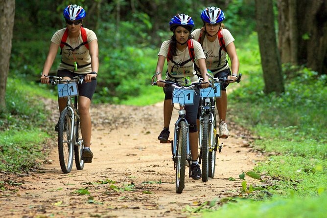 Belilena Cave Cycling Tour from Kitulgala