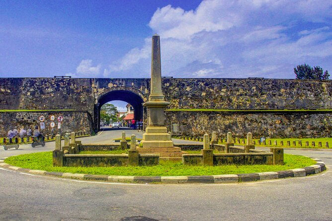 Ancient Dutch Fort Tour and River Safari from Galle