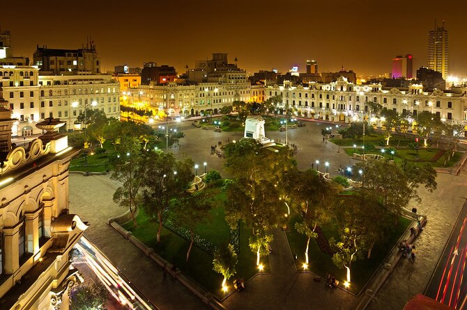 Lima Panoramic Night Tour with Dinner and Folkloric Show