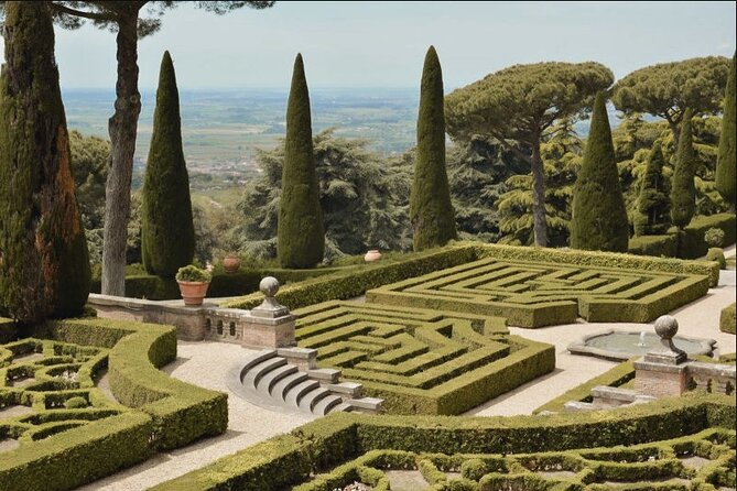 Ticket Skip the Pontifical Palace and Barberini Gardens