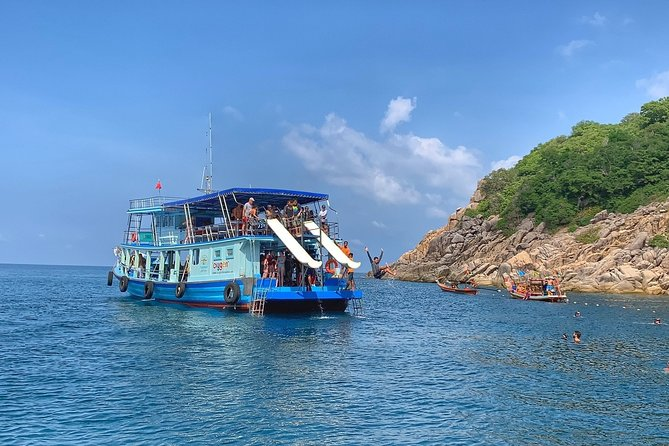 Snorkel Trip to Koh Nangyuan and Bays of Koh Tao By The Oxygen