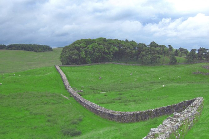Hadrian's Wall: Explore the ruins of Housesteads Roman Fort on this audio tour