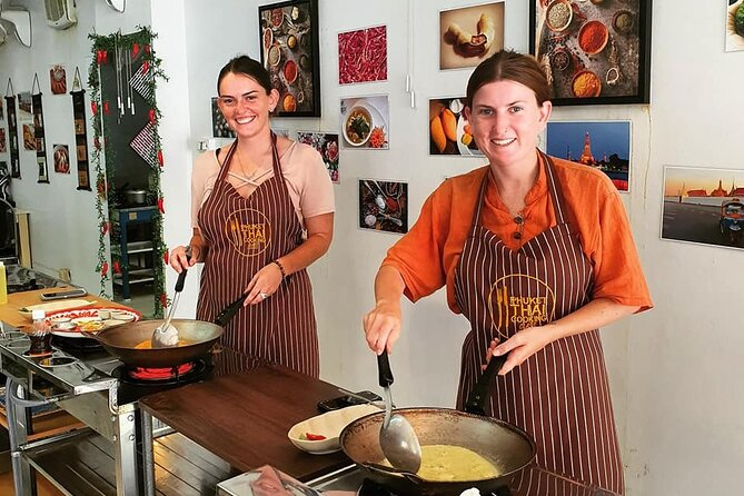Thai Cooking Class with Market Tour in Phuket by VJ
