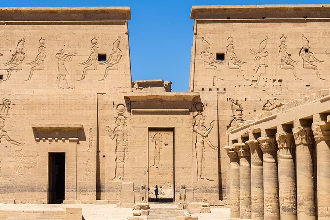 A private tour of the temple of Philae with a French-speaking Egyptologist guide