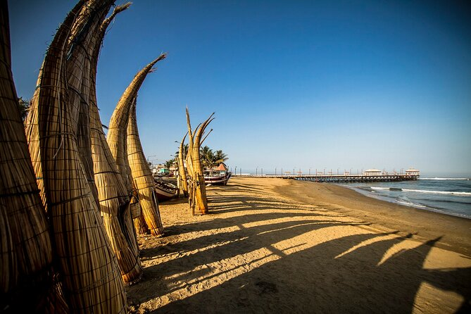 Tour to Dragón Temple, Chan Chan Archaeological Site and Huanchaco Beach