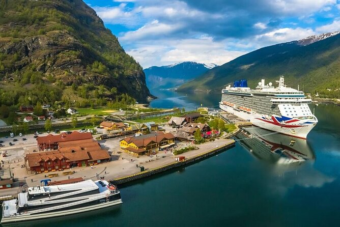 Day tour from Bergen to Oslo - incl Premium Nærøyfjord Cruise and Flåm Railway