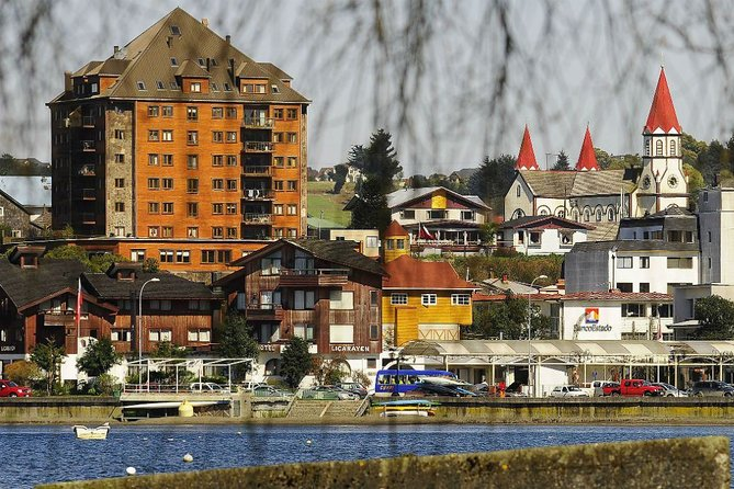 Private Walking City Tour and Navigation in Puerto Varas