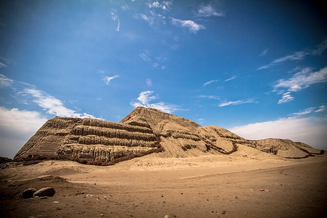 Tour to The Sun & Moon temples, Dragón temple,Chan Chan, Huanchaco beach & lunch