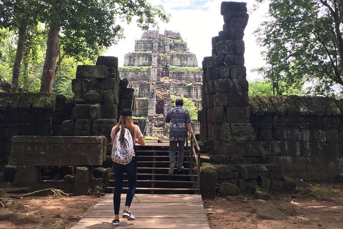 Private Day Tours To Preah Vihear and Koh Ker Temples Group With Tour Guide