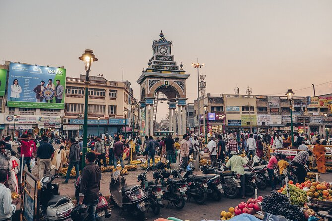 Vibrant Markets of Mysore (2 Hours Guided Walking Tour)